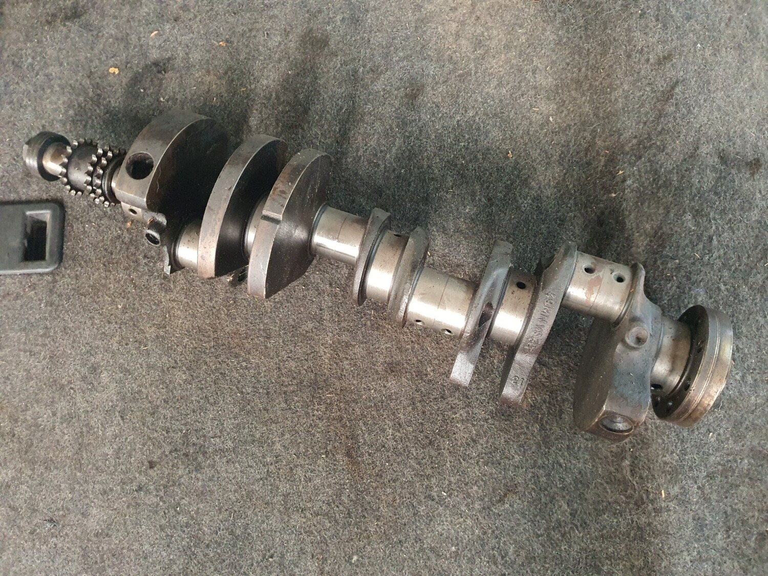 Mercedes-Benz Crankshaft (W126 380SE)