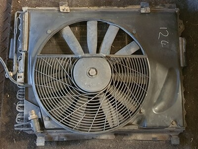 Mercedes-Benz Condenser With Fan (W124)
