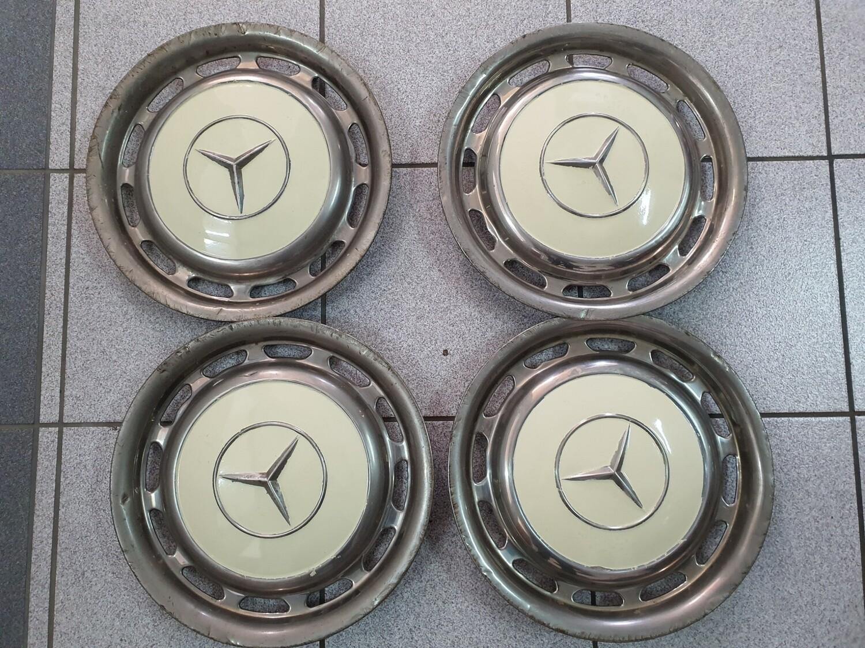 Mercedes-Benz Set Of 4 Hubcaps