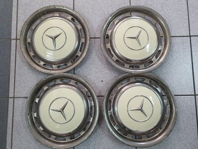 Mercedes-Benz Set Of 4 Hubcaps