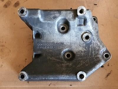 Mercedes-Benz Compressor Bracket (W202/W140/W210)