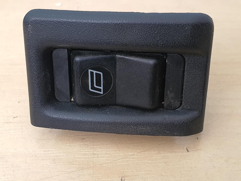 Mercedes-Benz Rear Window Switch (W201)