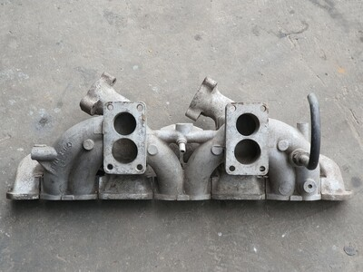 Mercedes-Benz Intake Exhaust Manifold (W108 280S)