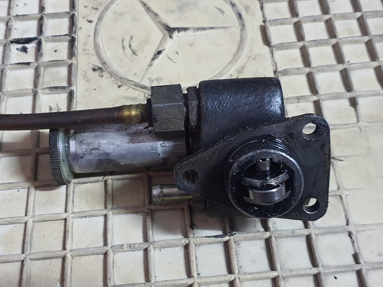 Mercedes-Benz Manual Diesel Pump (Om602)