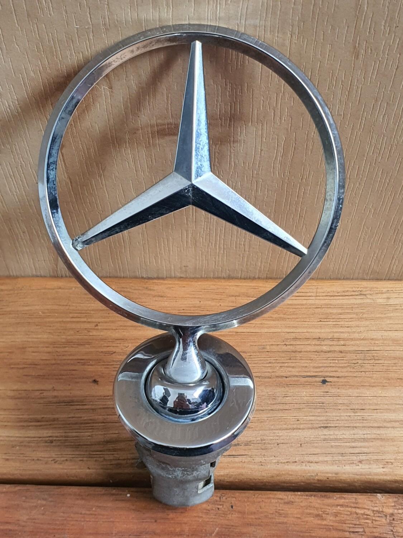 Mercedes-Benz Bonnet Emblem Star