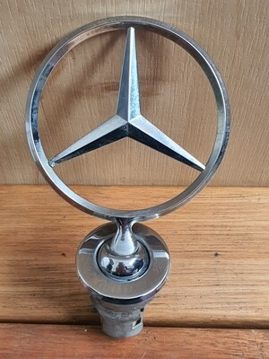 Mercedes-Benz Bonnet Emblem Star