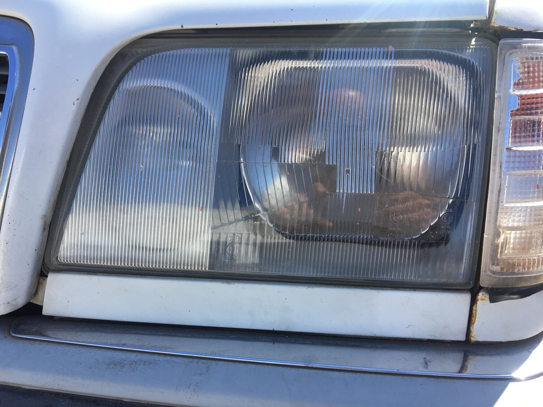 Mercedes-Benz Left Facelift Headlight (W124)