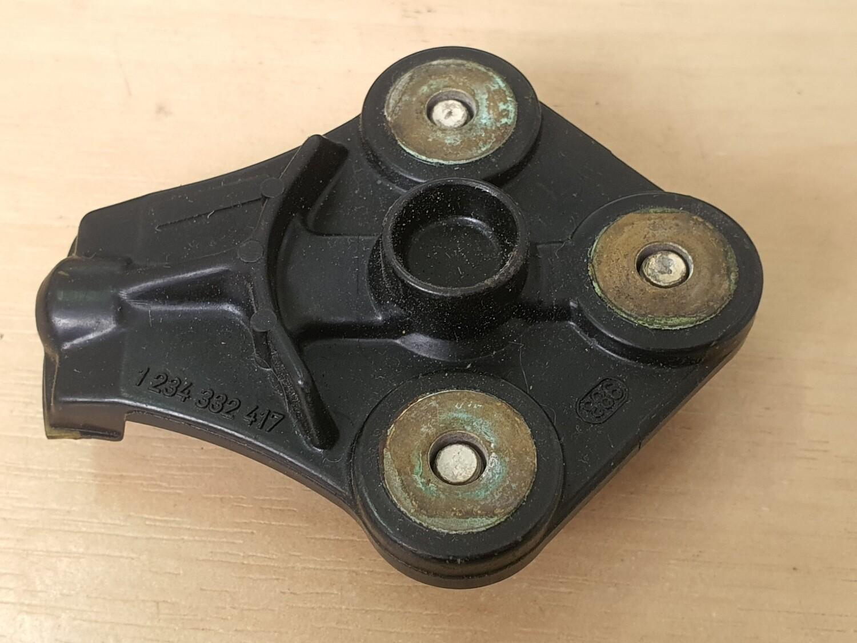 Mercedes-Benz Distributor Rotor (M102 W123)