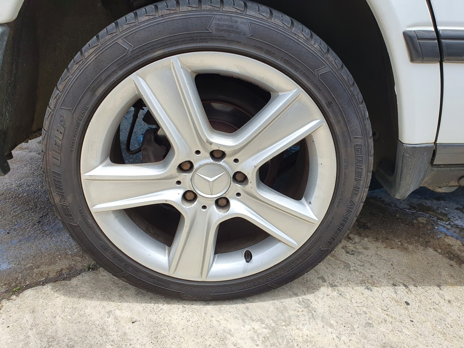 Mercedes-Benz 17 Inch Rims With 225/45R17 Tyres