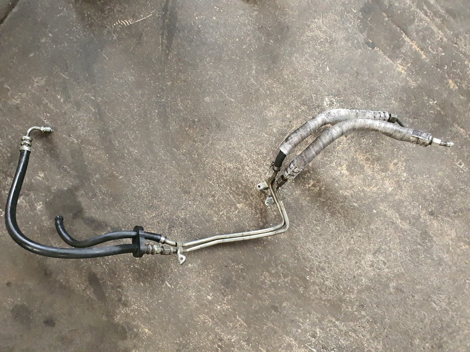Mercedes-Benz Power Steering Pipes (W124 M104)