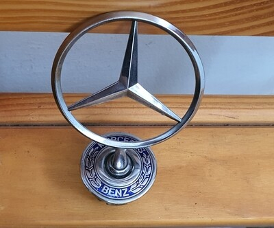 Mercedes-Benz Bonnet Emblem (W124, W202, W210)