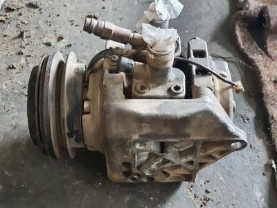 Mercedes-Benz Aircon Compressor With Bracket (M110)