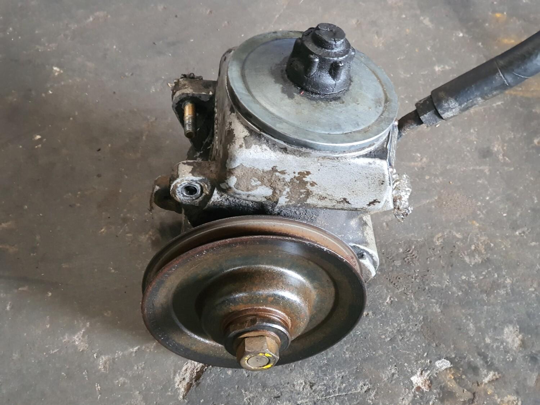 Mercedes-Benz m110 Power Steering Pump (W126/ R107 280SE/SL)