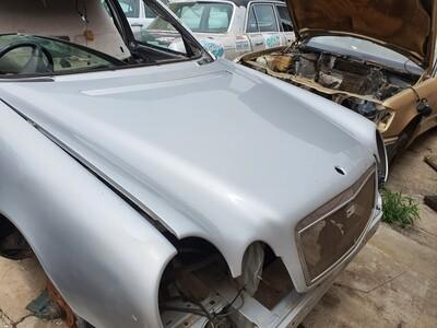 Mercedes-Benz W210 Bonnet