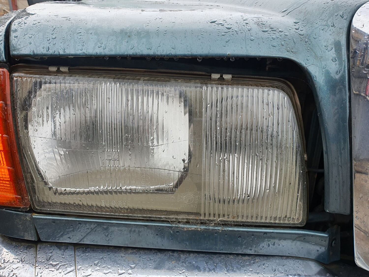 Mercedes-Benz Right Headlight (W126)