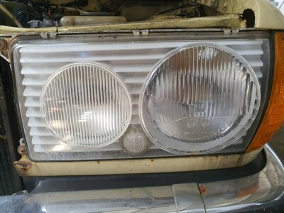 Mercedes-Benz Left Headlight (W123)