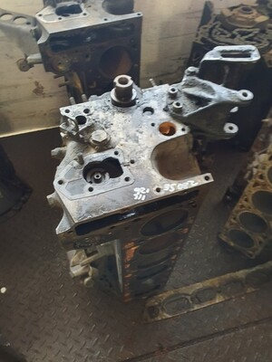Mercedes-Benz Engine Block (W126/W116 280SE M110)