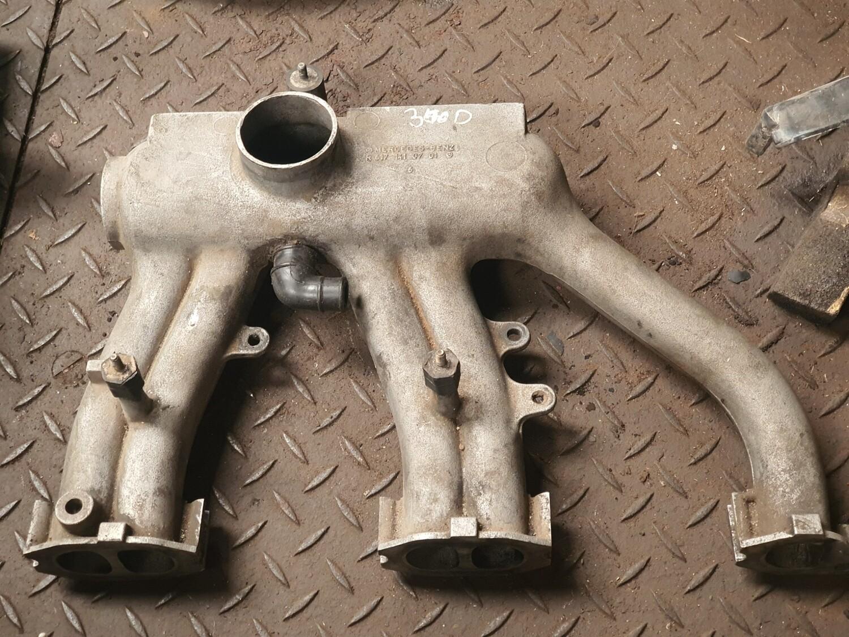 Mercedes-Benz Intake Manifold (W123 300D)