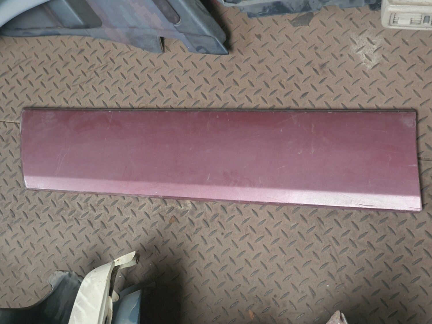 Mercedes-Benz Front Left Door Moulding (W201)