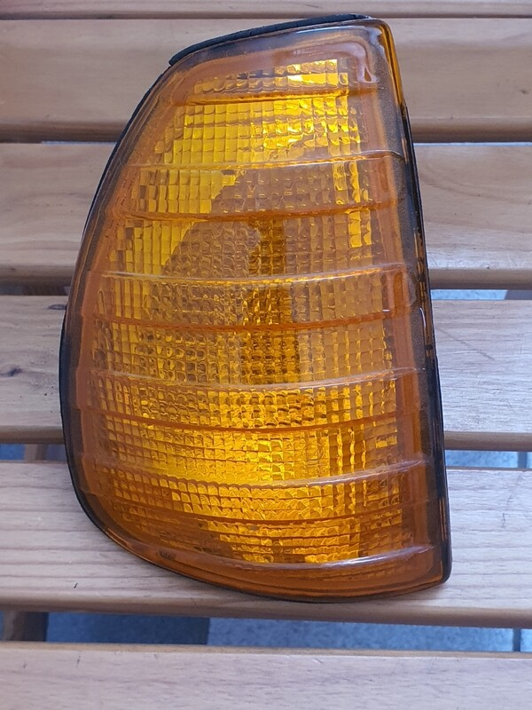 Mercedes-Benz right indicator (W123)