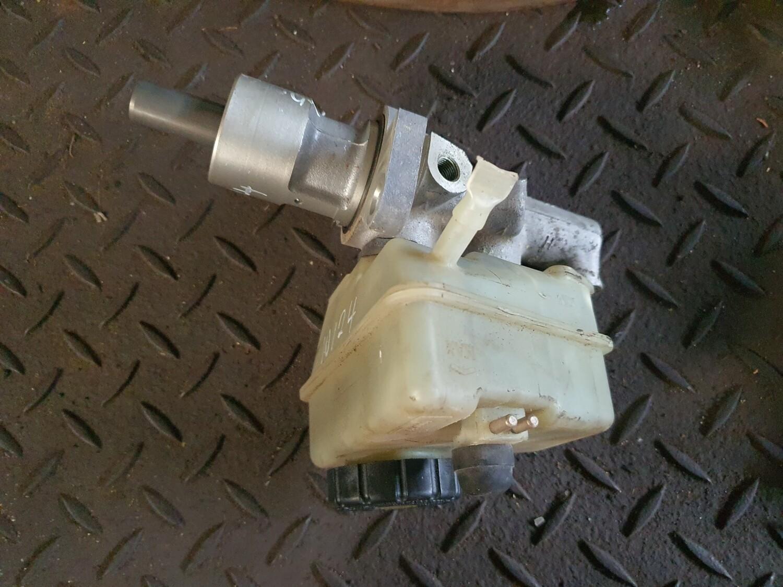 Mercedes-Benz Brake Master Cylinder (W124)