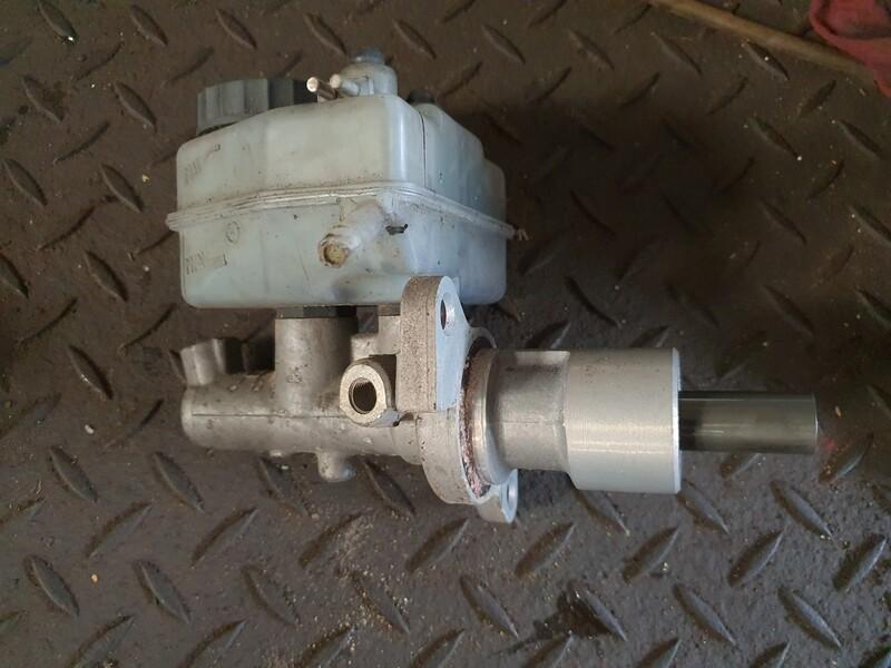 Mercedes-Benz Brake Master Cylinder (W201)