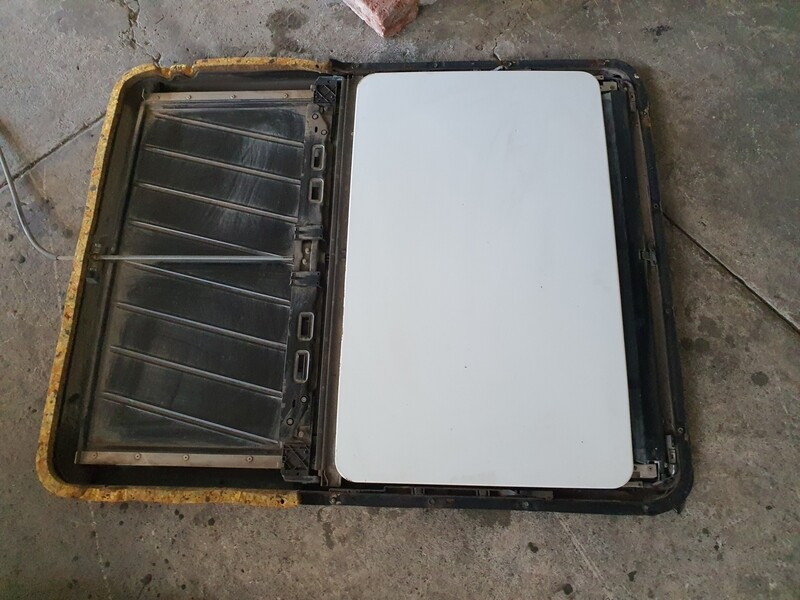 Mercedes-Benz Complete Sunroof And Roof Lining (W124)