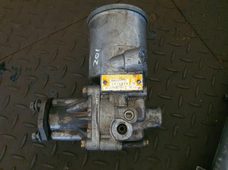 Mercedes-Benz Power Steering Pump (W201/W124)