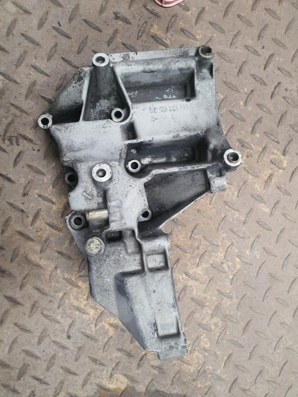 Mercedes-Benz Engine Frame Bracket (M111)