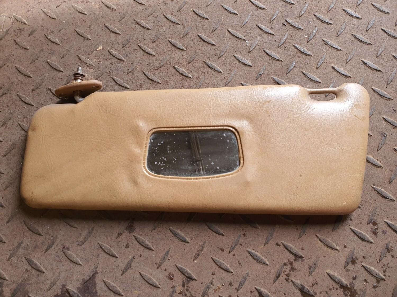 Mercedes-Benz Left Sunvisor Caramel (W123)