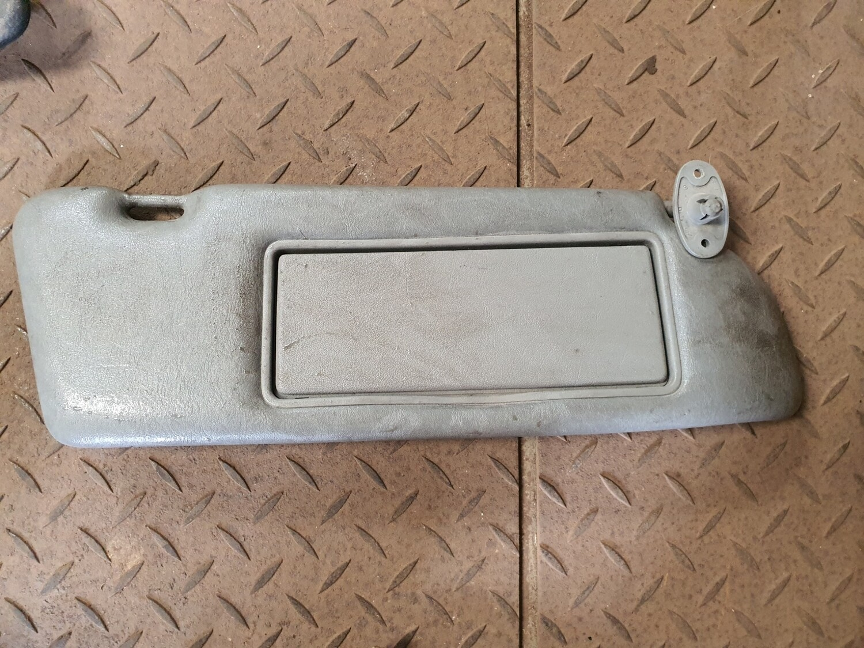 Mercedes-Benz Right Sunvisor Grey (W126)