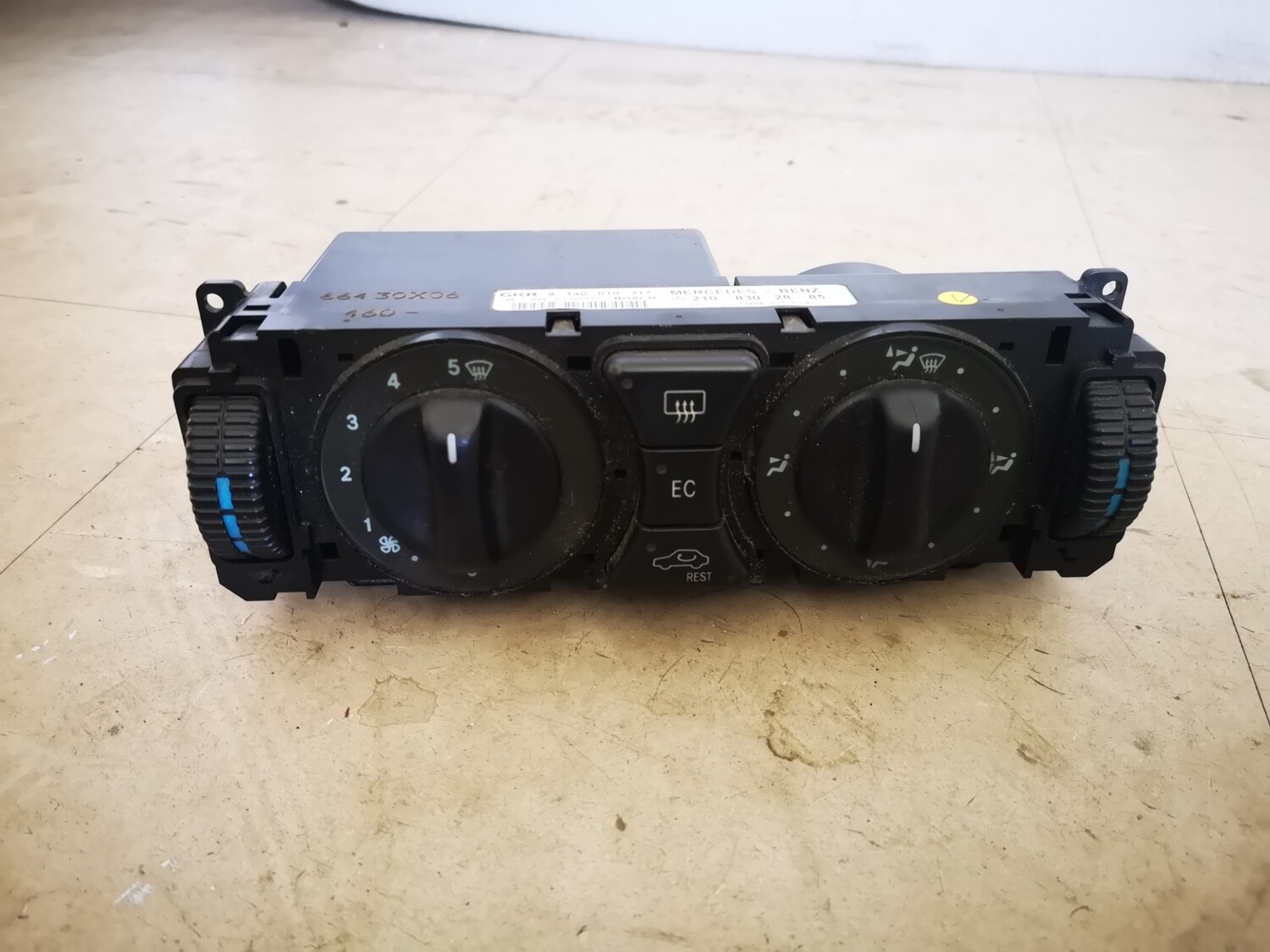 Mercedes-Benz Heater/ Aircon Operating Unit (W202/W210)