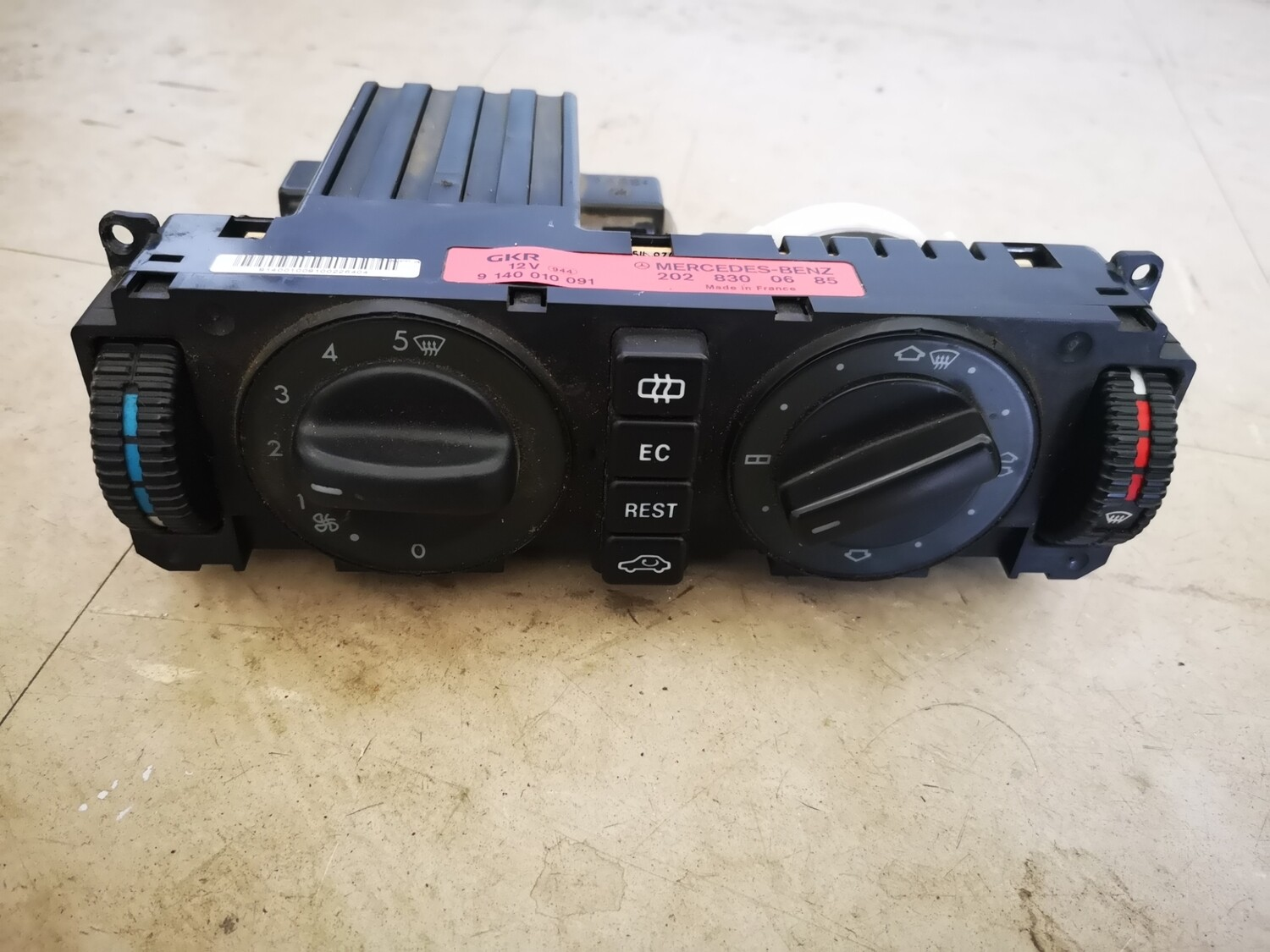 Mercedes-Benz Heater/Aircon Operating Unit (W202)