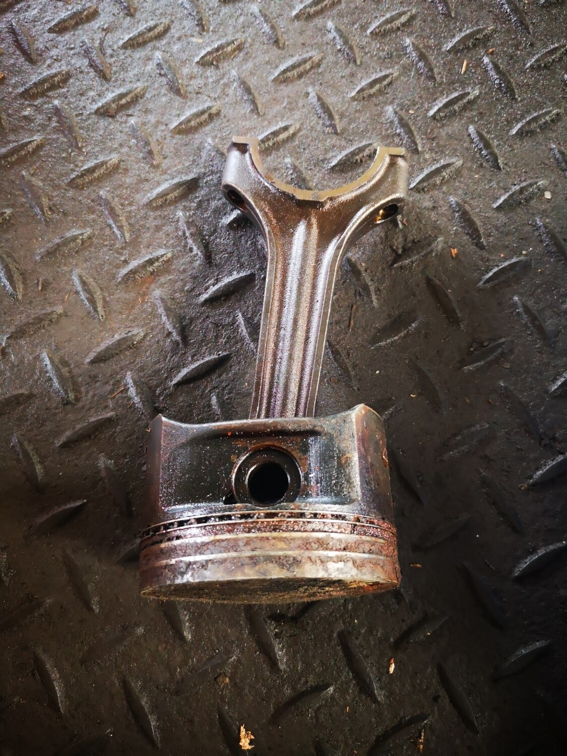 Mercedes-Benz Piston With Conrod (M111)