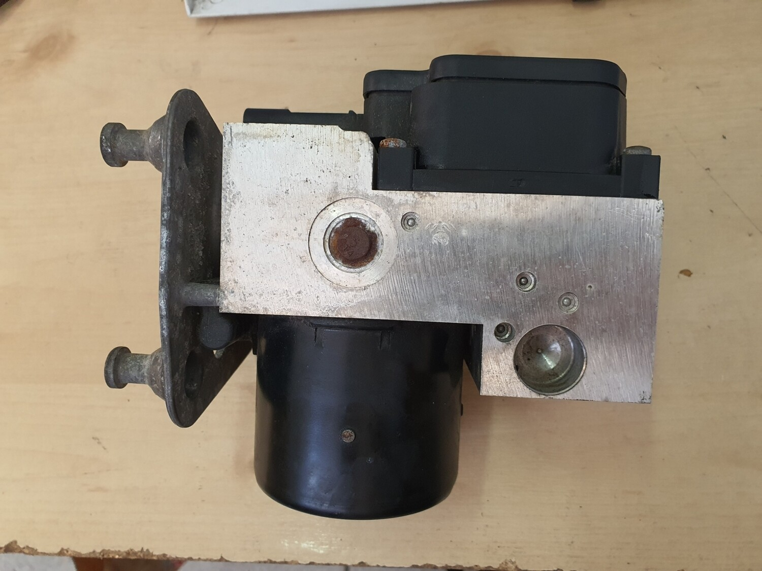 Mercedes-Benz ABS Pump (W210)