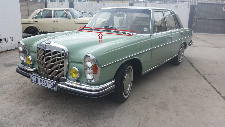 Mercedes-Benz Wiper Cover Trim (W108)