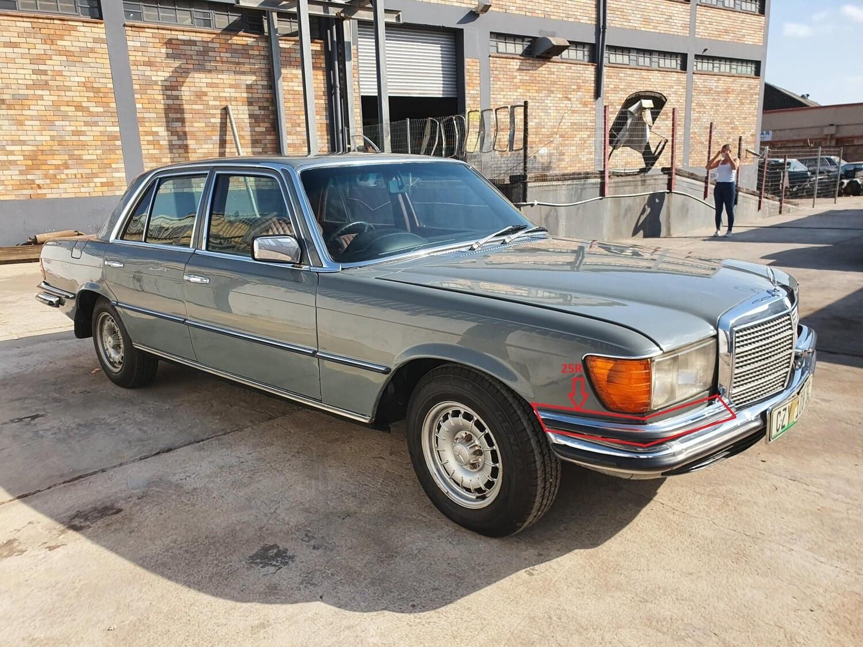 Mercedes-Benz Right Upper Bumper (W116)