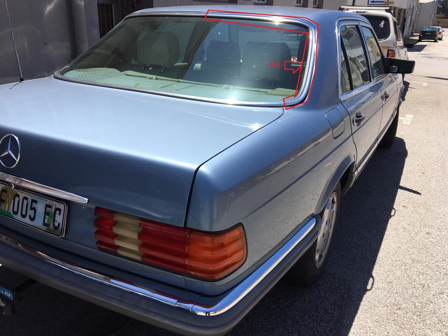Mercedes-Benz Right Rear Windshield Beading (W126)