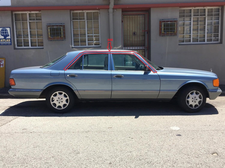 Mercedes-Benz Upper Right Door Beading (W126)