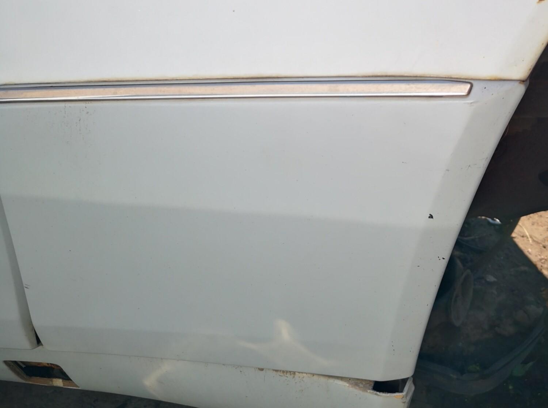 Mercedes-Benz Right Front Fender Cladding (W124)