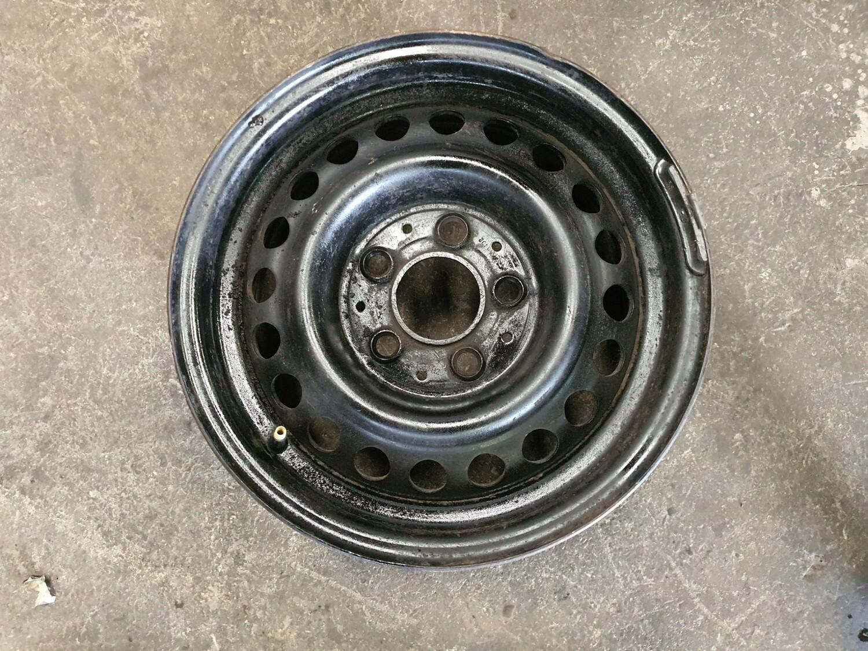 Mercedes-Benz Steel Rim (14 inch)