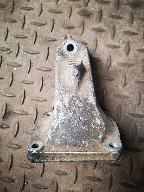 Mercedes-Benz Engine Mount Left (W202)