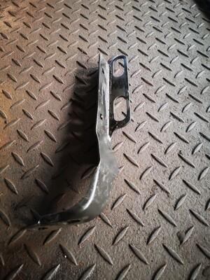 Mercedes-Benz Exhaust Pipe Bracket (W210)