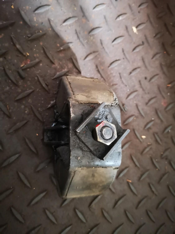 Mercedes-Benz Gearbox Mount Automatic (W123/W126)