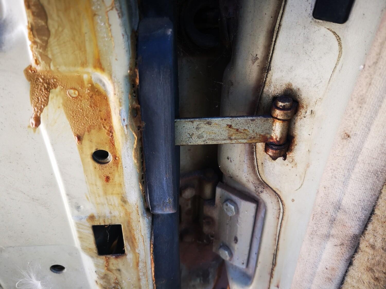 Mercedes-Benz Left Front Door Stop (W126)