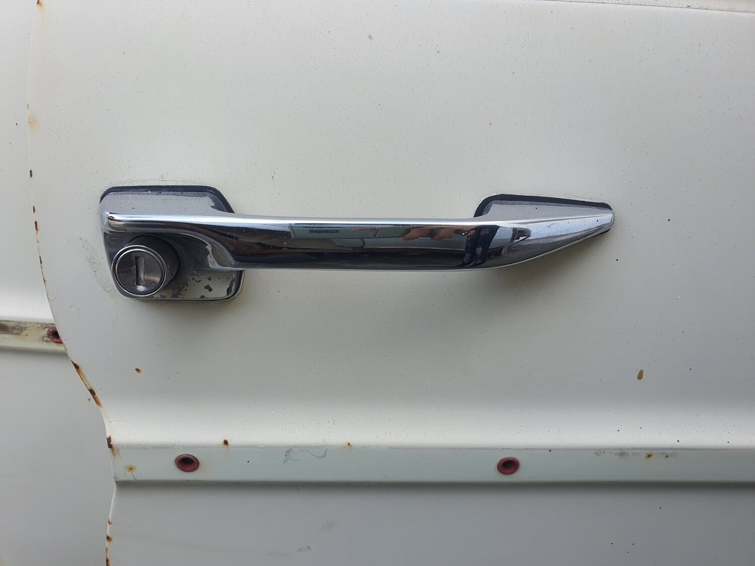 Mercedes-Benz Right Front Exterior Door Handle Without Key (W114/5)