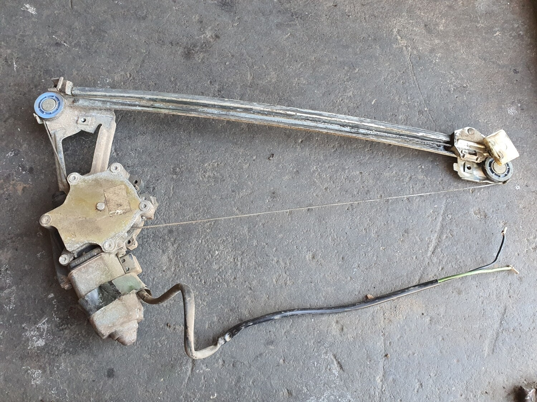 Mercedes-Benz Right Rear Electric Window Regulator (W124)