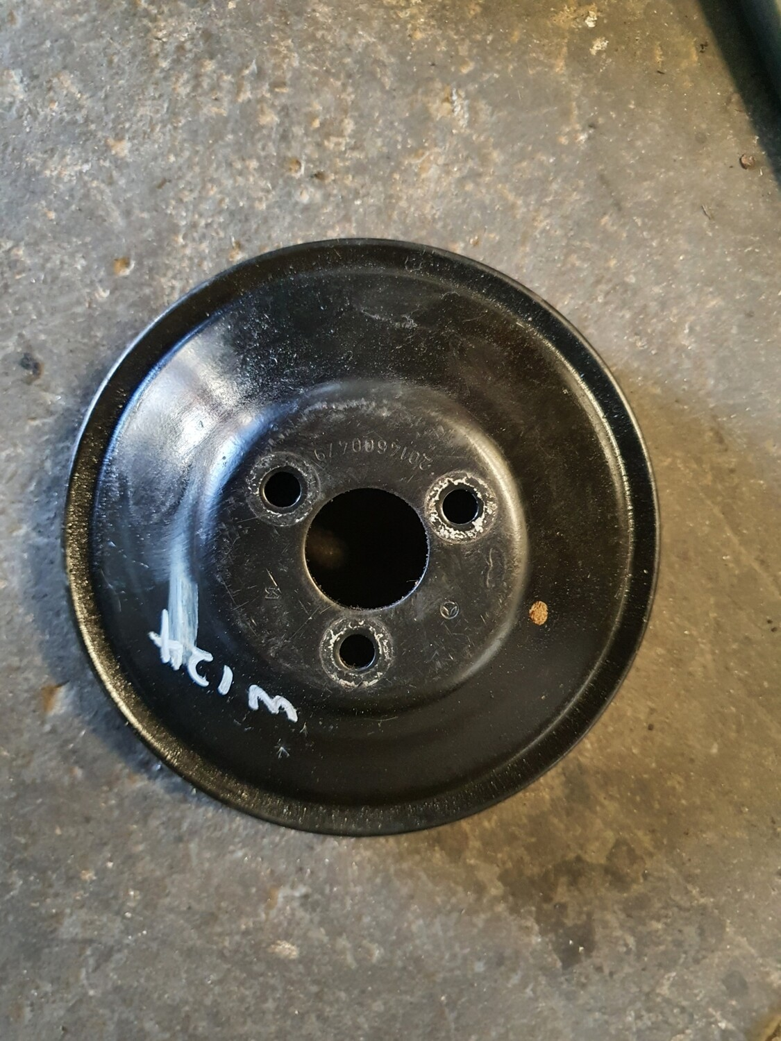 Mercedes-Benz Power Steering Pulley (W124 200)