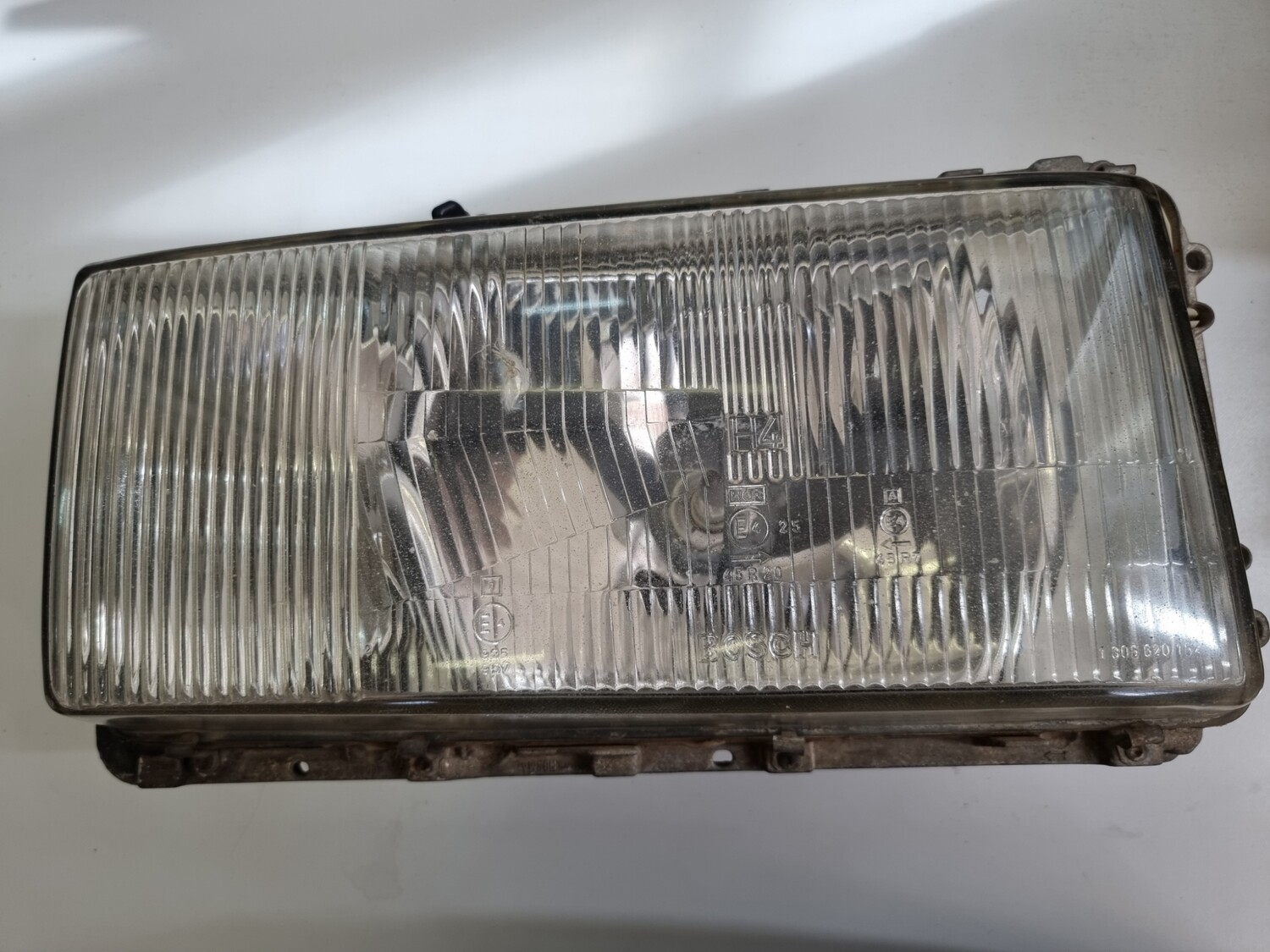 Mercedes-Benz Right Headlight With Chip (W116)