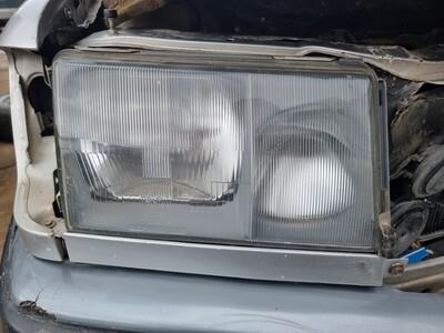 Mercedes Right Headlight (W124 pre facelift)